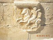 bassorilievo in pietra artificiale