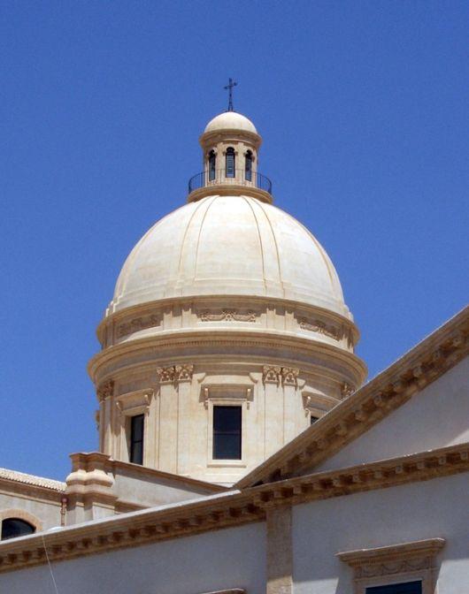 la cattedrale di noto la cupola ricostruita sicilia orientale. Black Bedroom Furniture Sets. Home Design Ideas