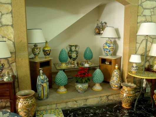 Oggetti Ceramica Di Caltagirone.Oggetti In Ceramica Di Caltagirone Sicilia Orientale
