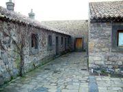Castello dell'ammiraglio Nelson, cortile dell'abbazia